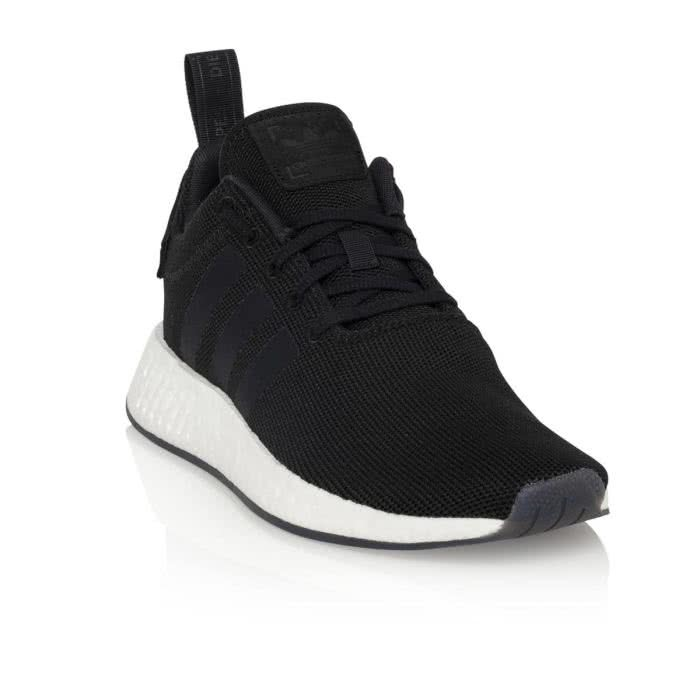 cheaper 16f11 efa22 NMD R2